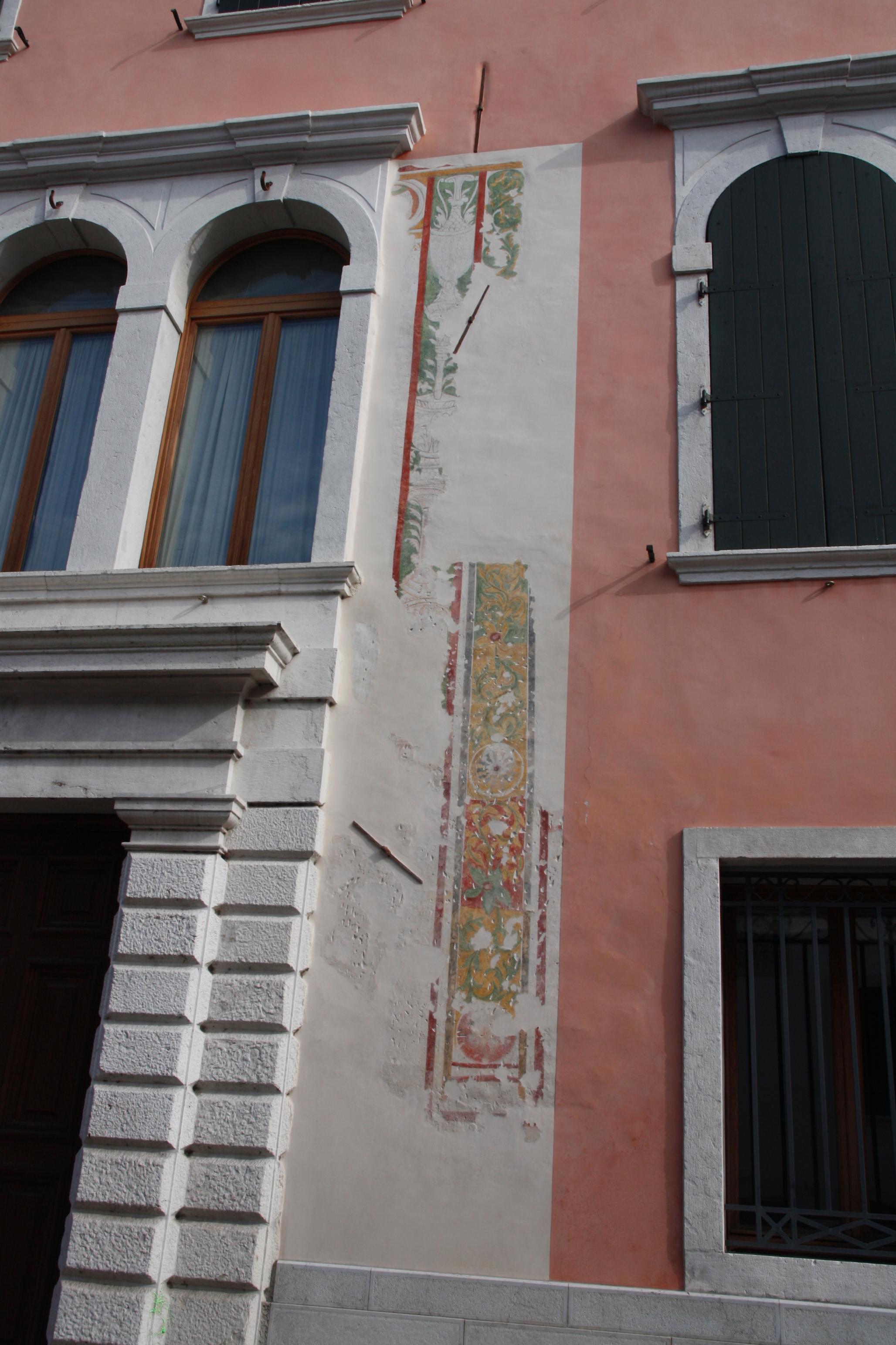 Palazzo Pera - Marchi - particolare 01
