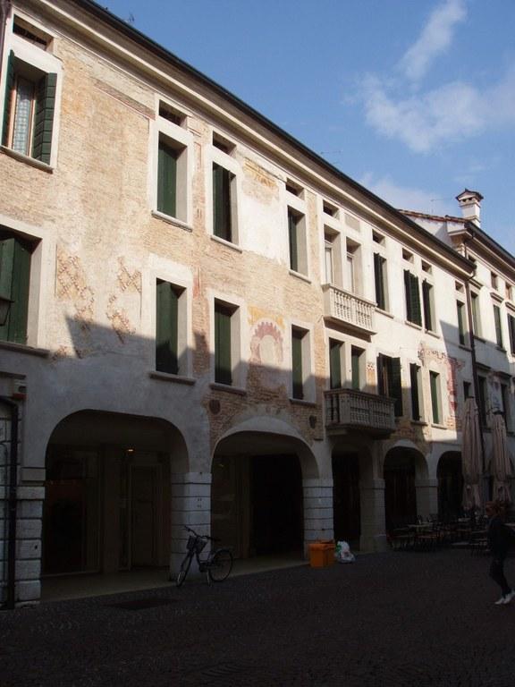 Palazzo civico 42