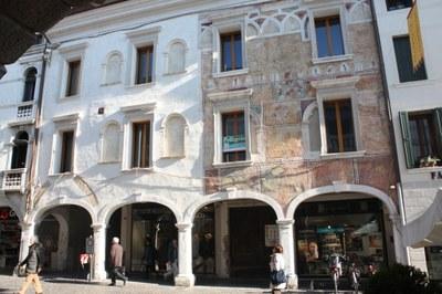 Palazzo Crescendolo-Milani