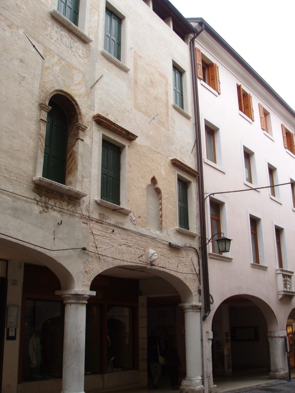 Palazzo Domenichini-Varaschini