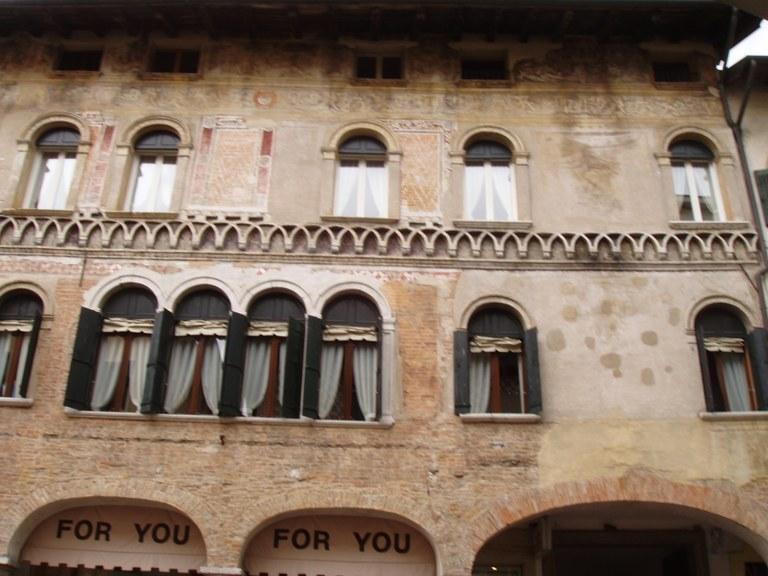 Palazzo Mantica-Cattaneo - part 01.JPG