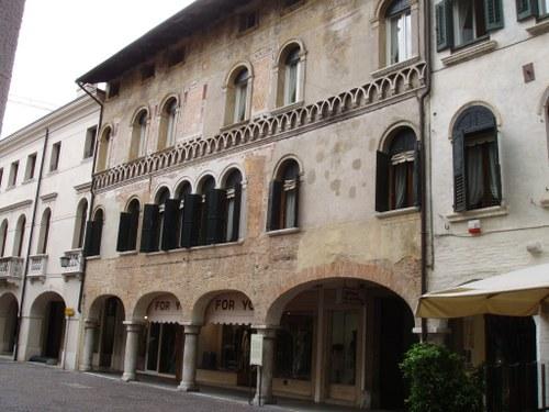Palazzo Mantica-Cattaneo