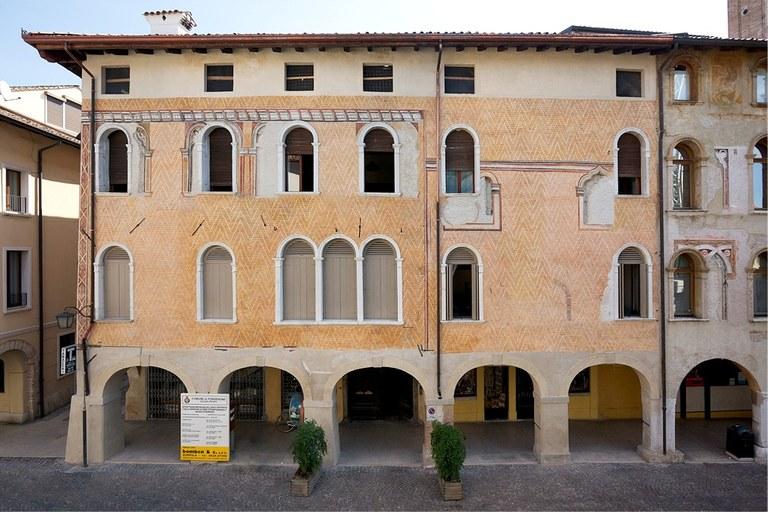 Palazzo Polacco-Barbarich-Scaramuzza - part 01.jpg