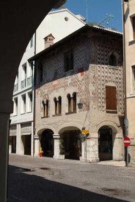 Palazzo Varmo-Pomo (Casa dei Capitani)