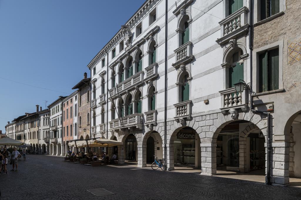 Palazzo Gregoris