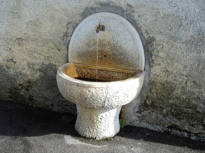 5-13-fontana-via-chiesa-di-vallenoncello.jpg