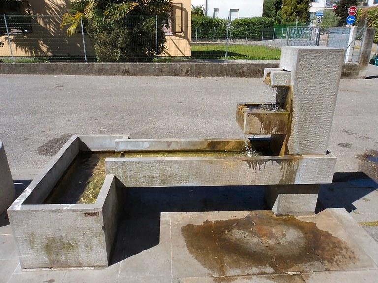 5-181-fontana-via-mameli.jpg