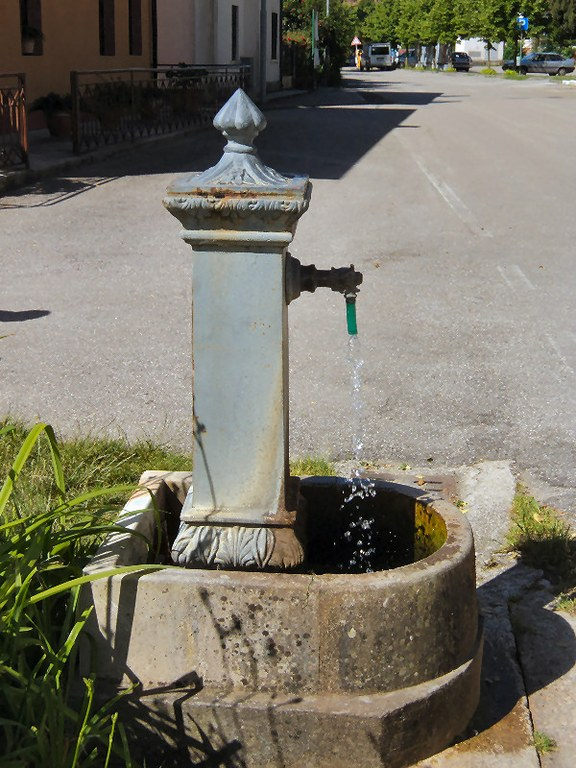 5-44-fontana-via-villanova.jpg