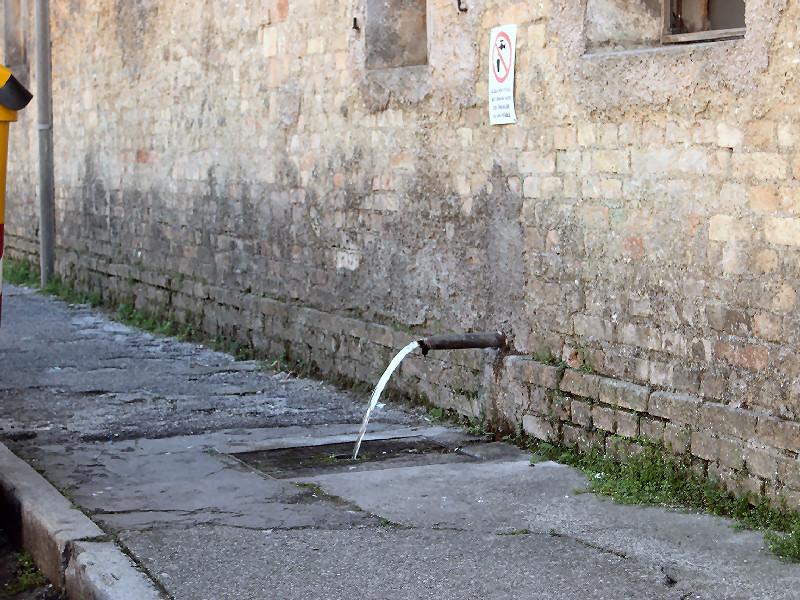 5-61-fontana-via-meduna.jpg