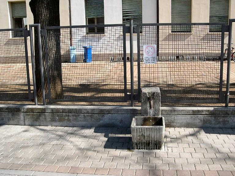 5-63-fontana-via-udine.jpg