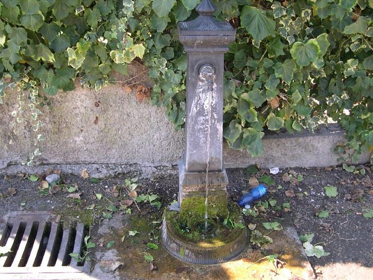 5-66-fontana-via-mantegna.jpg
