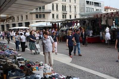 Da sabato 23/5 mercato a pieno regime con tutti gli ambulanti