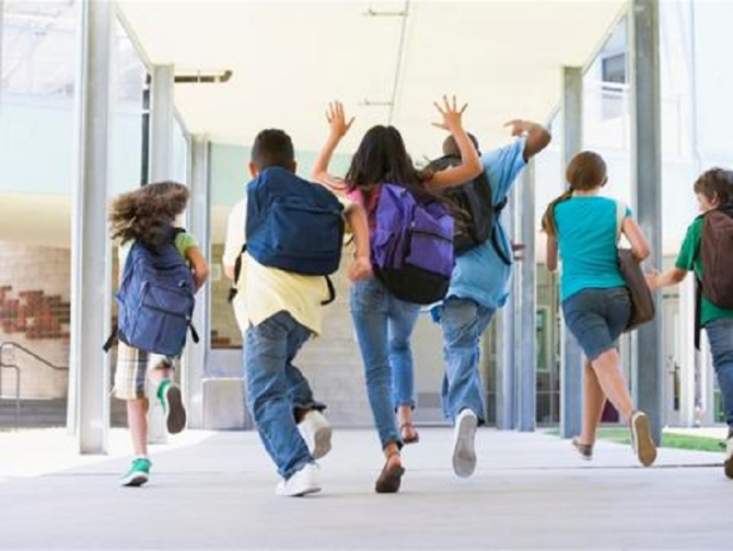 Finanziamenti del Comune a 4 associazioni che operano nelle scuole