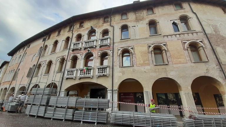 Lavori con la supervisione della Soprintendenza. Il museo rimane aperto.