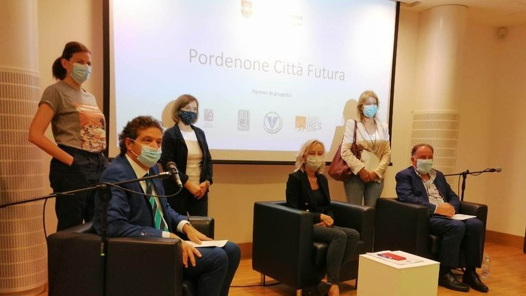 Dorino Favot, Sara Pavan, Chiara Cristini, Gugliemina Cucci, Paola Dalle Molle, Pino Napoli
