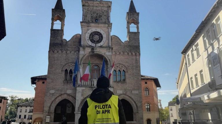 Riprese con il drone, filmati e fotografie per promuovere la città.