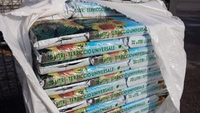 Porta i rifiuti all'ecocentro e ritira una confezione di compost