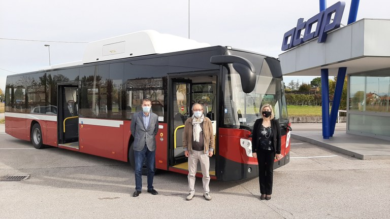 Tra il 2021 e il 2022 ne arriveranno 15. Comune e Atap: «Saremo tra i primi in Europa per numero di bus green rispetto al parco mezzi»