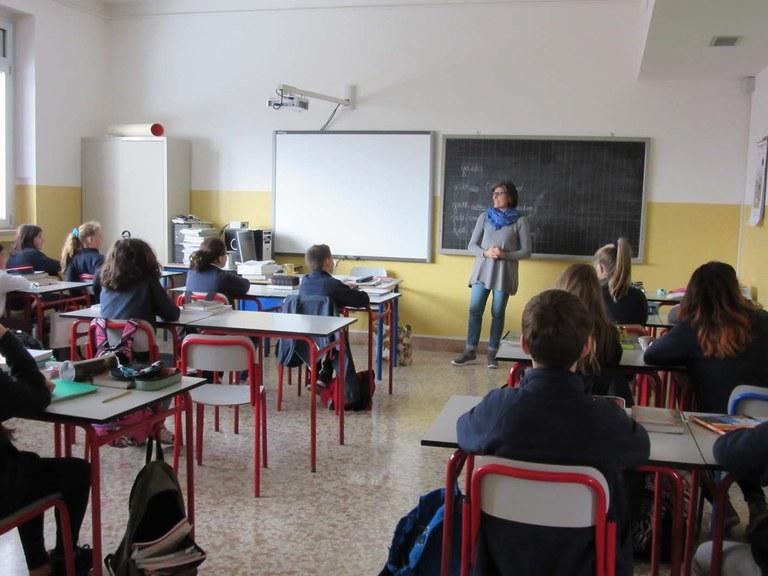 Istituto chiuso tutto l'anno scolastico per lavori antisismici. Alunni di prima e seconda ospitati alla Gabelli, quelli di terza, quarta e quinta al Centro studi.