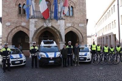 Sicurezza, nuovi mezzi per polizia municipale e steward