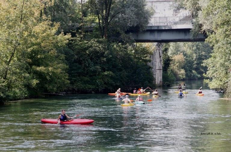 Foto La discesa  lungo il fiume