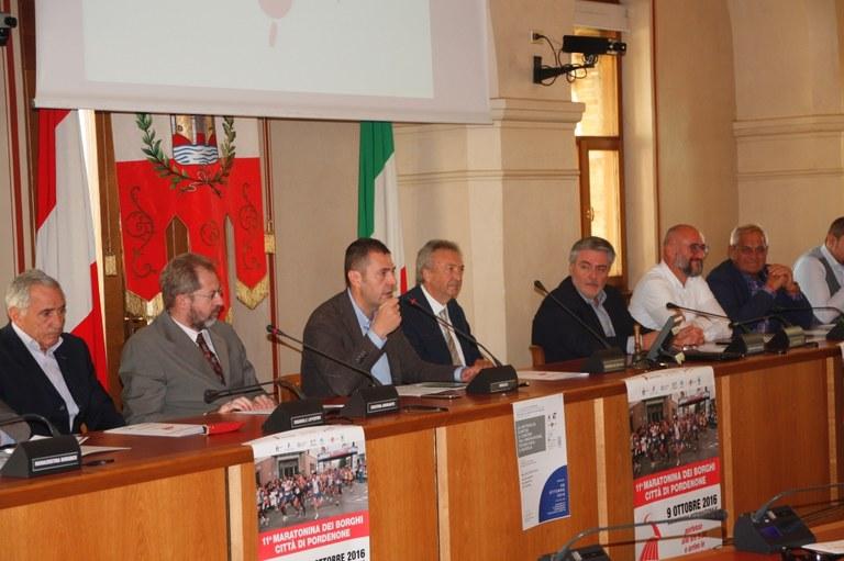 Foto Conferenza stampa Il tavolo dei relatori
