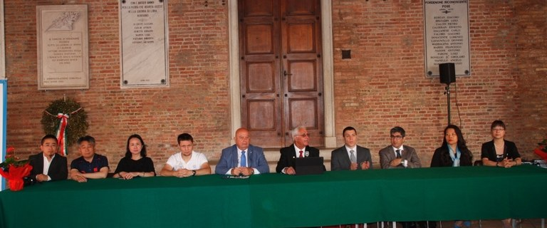 Foto  Ricevuti gli ospiti internazionali