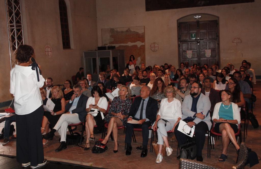 Foto  Amministratori e delegazioni  all'ex convento di San Francesco