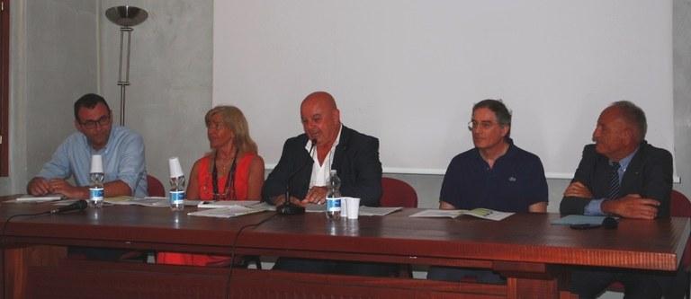 Foto  Gli amministratori e i funzionari comunali