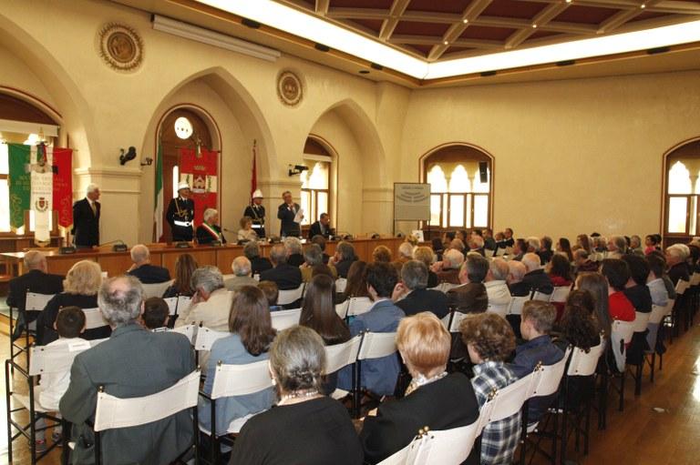 Foto La cerimonia in sala consiliare