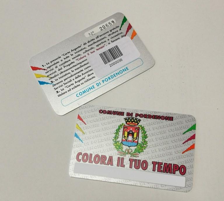 Foto  La card con il codice a barre