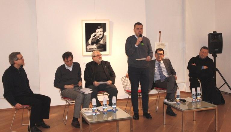Foto    I relatori  illustrano il programma