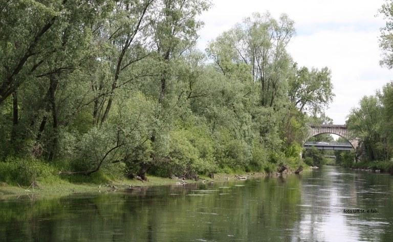 Foto  Inedita veduta  dal Noncello  con i tre ponti