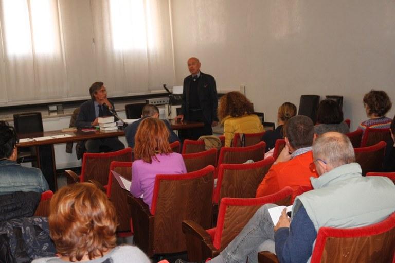 Foto  Le lezioni si tengono in Municipio