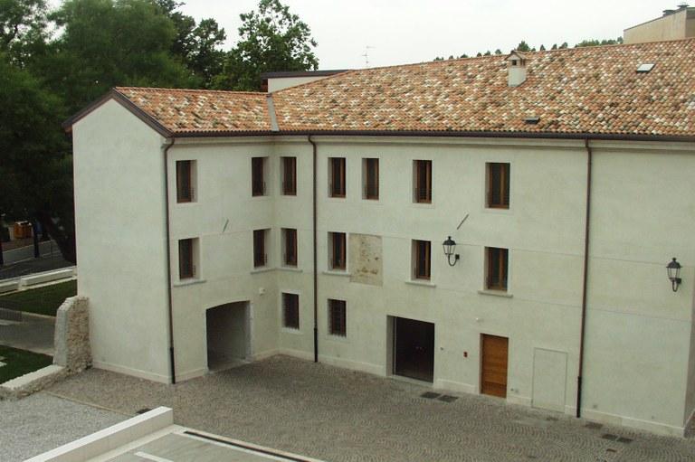 Foto  Palazzo Crimini Sede dei Servizi Sociali