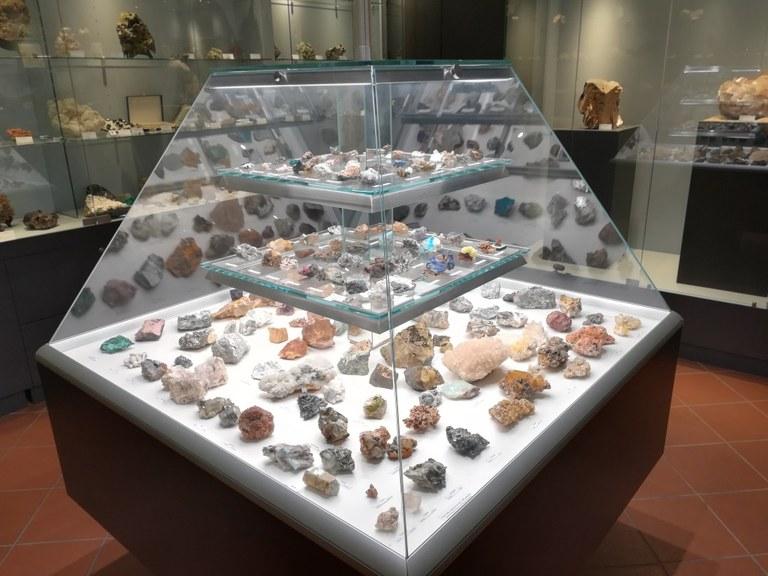 Foto  Teca  dei minerali