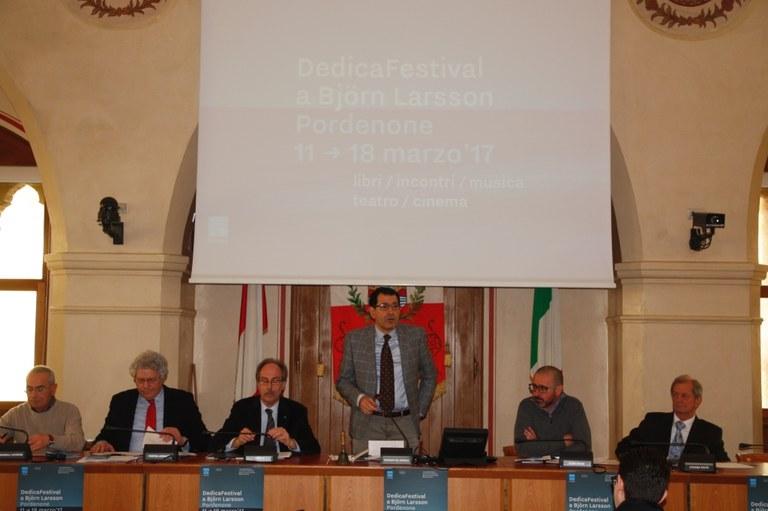 foto La presentazione in sala consiliare