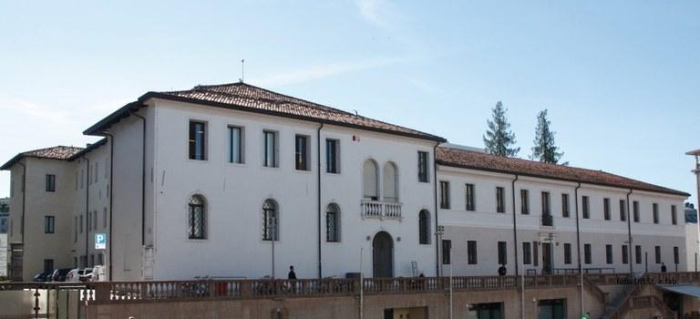 Foto La Biblioteca civica di piazza XX Settembre