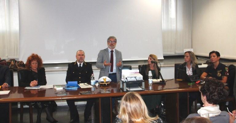 Foto  Il tavolo dei relatori