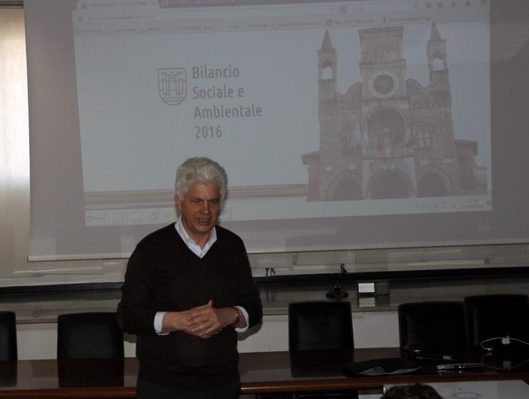 Foto Il sindaco presenta il Bilancio
