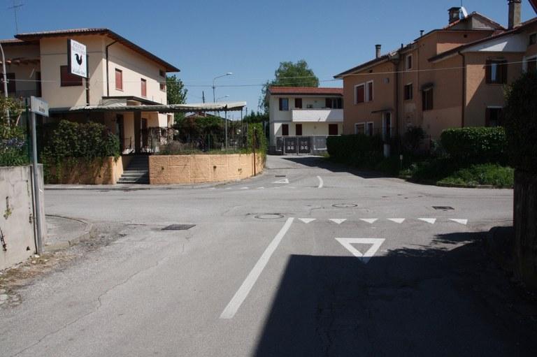 Foto Incrocio tra via Ariete e via Autiere