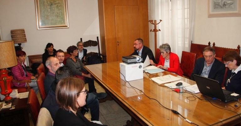 Foto La Commissione  apre le buste delle offerte