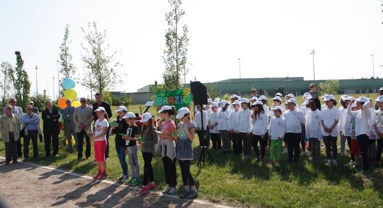 Foto   La storia raccontata dagli  alunni e la preparazione del Coro