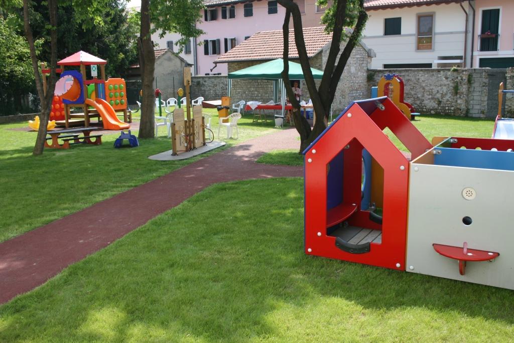 Foto  Parco giochi   all'Aquilone di via G Cantore