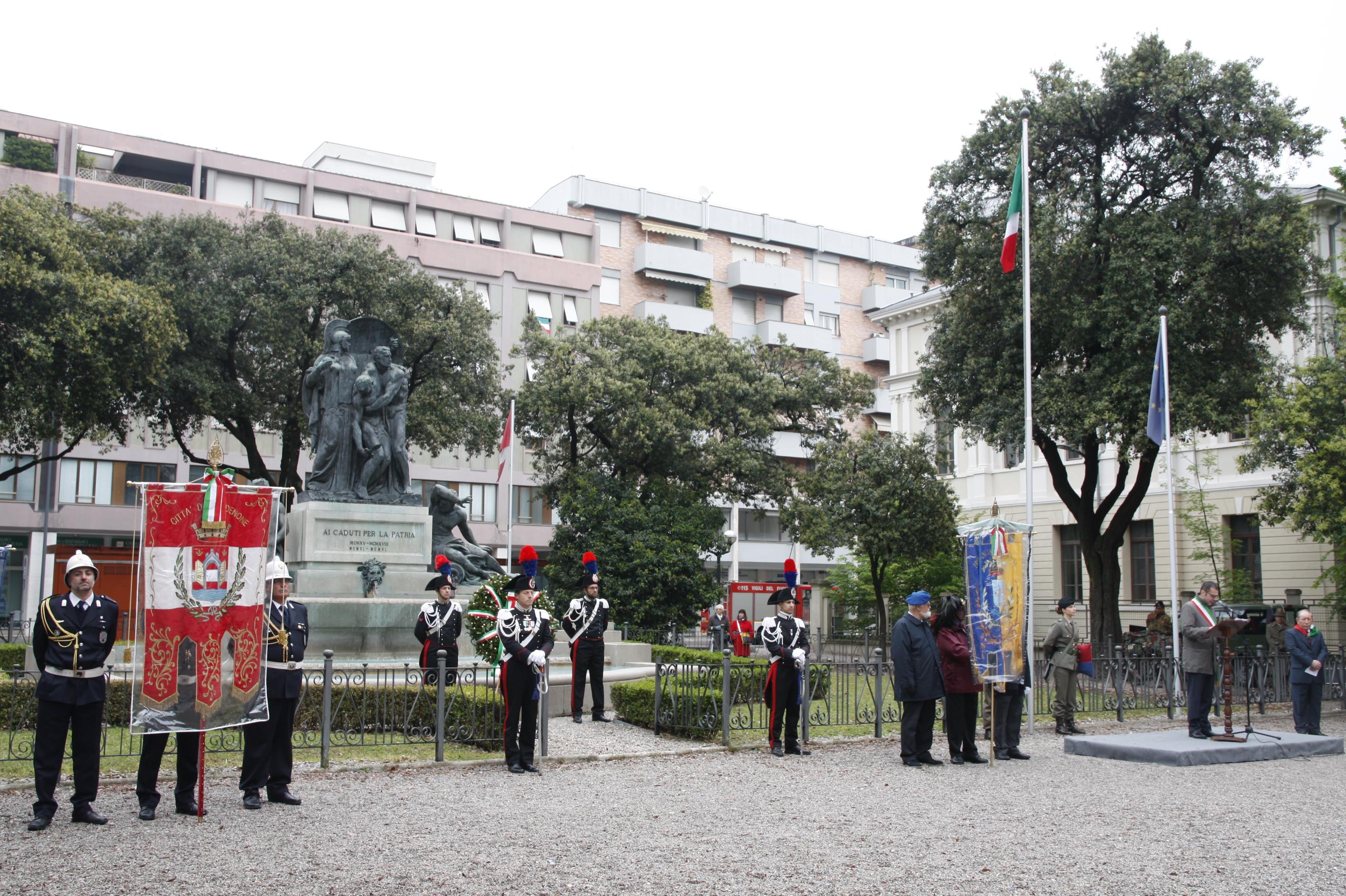 Foto   Il Monumento ai Caduti