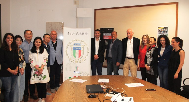 Foto Amministratori e organizzatori in Municipio