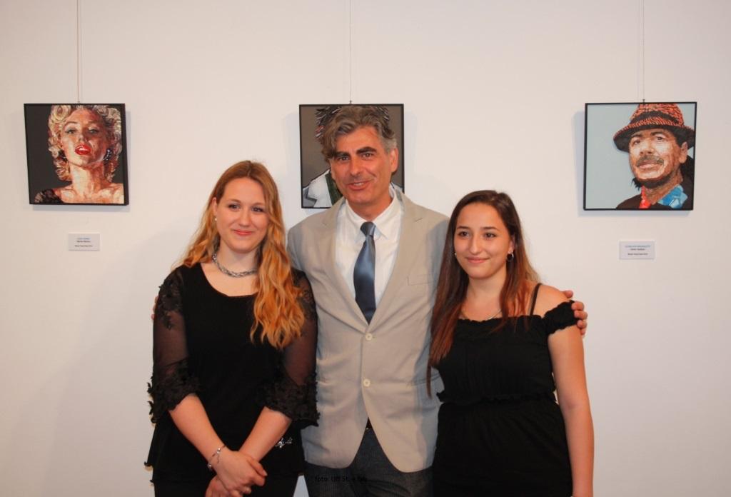 Foto   Le due vincitrici e le loro opere