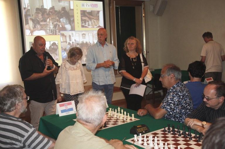 Foto Autorità alla presentazione del torneo di scacchi