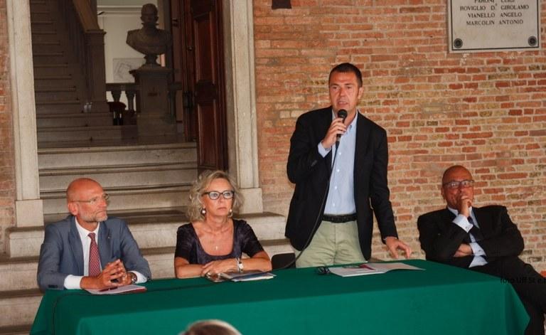Foto Conferenza stampa Tavolo delle autorità