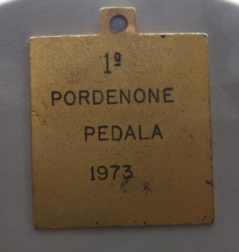 Foto Retro della prima medaglietta
